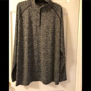 Under Armour Heat Gear Long Sleeve Athletic Top L